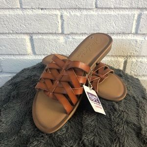NWT! Brown Leather Sketchers Sandals Size 6